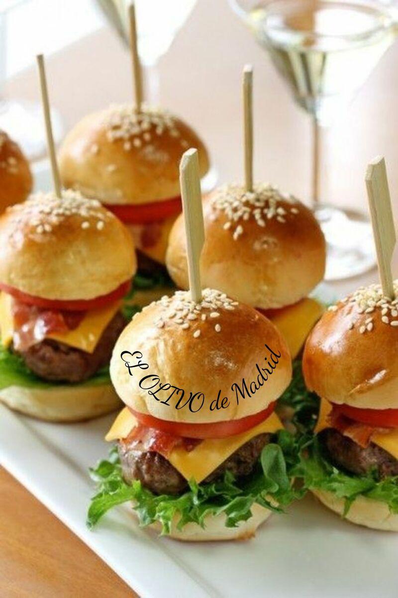 Mini Hamburguesas de carne Angus con patatas fritas caseras