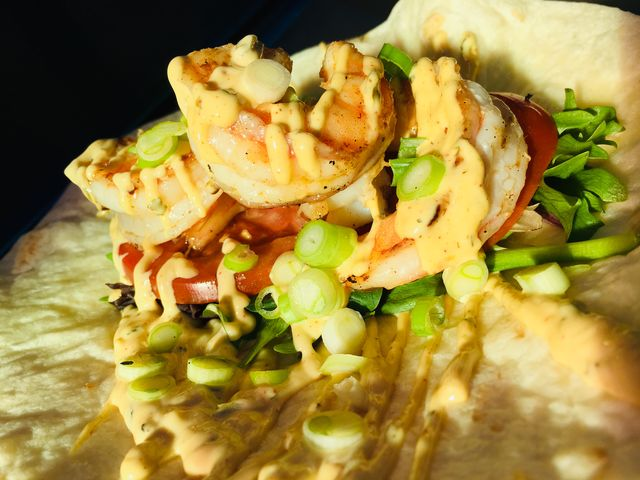 Po'boy scampi wrap