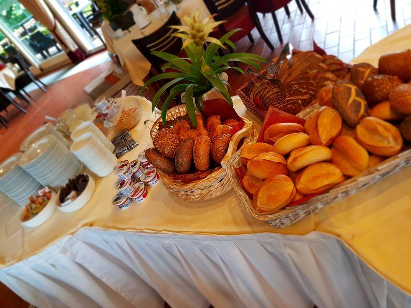 Frühstücksbuffet im Haus