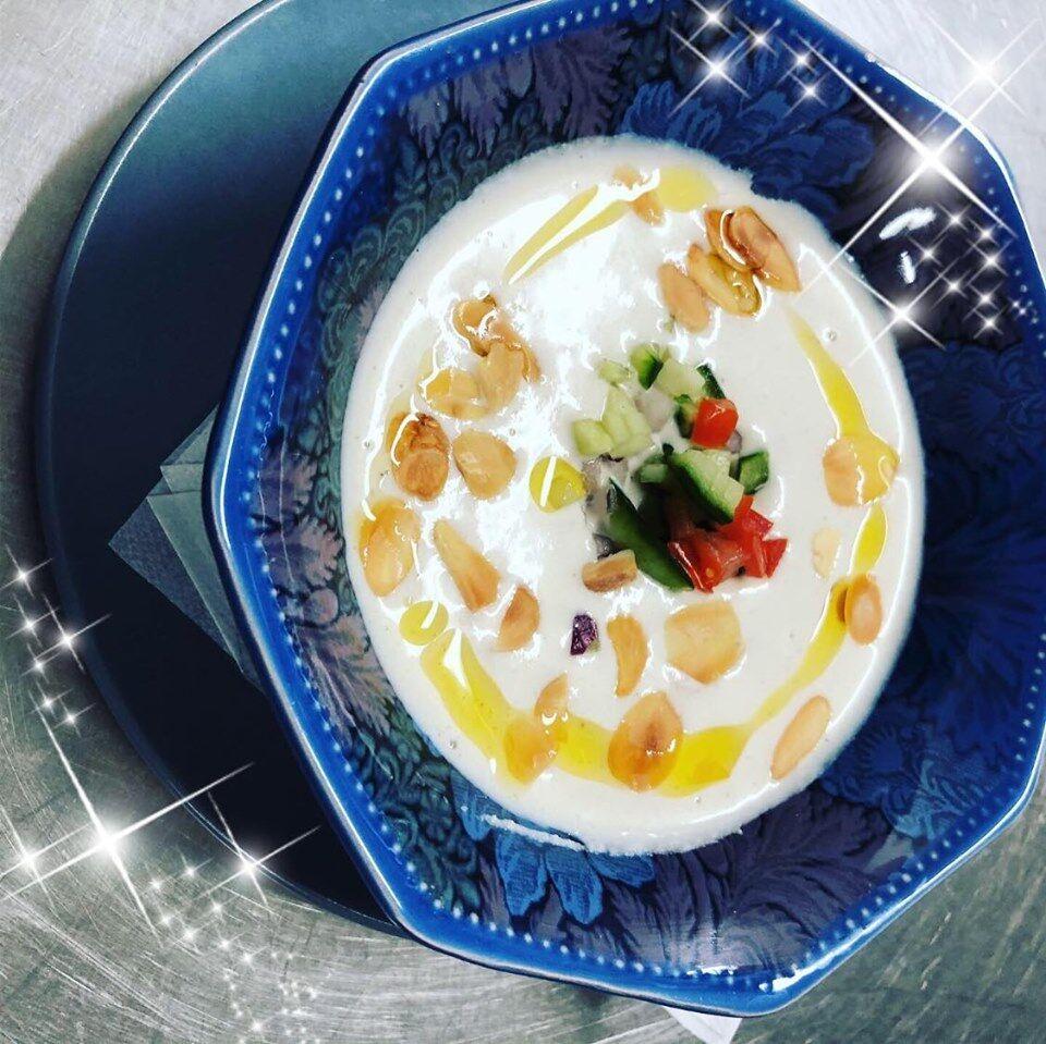 soupe froide d'amande au xèrés