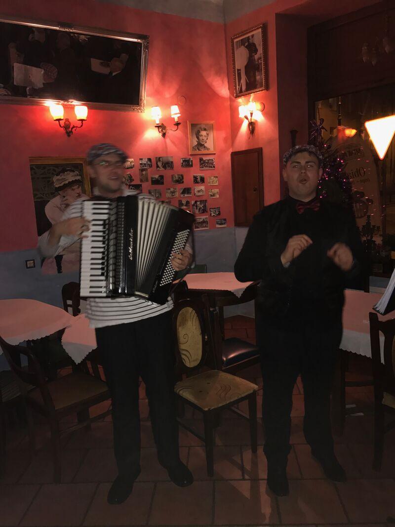 Kolacje przy muzyce na żywo w Szynku Praskim
