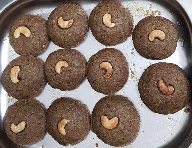 Kibbé mit Cashew-Kerne