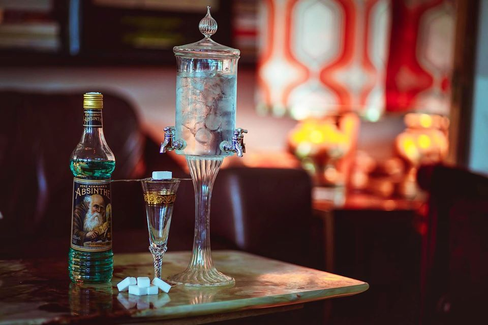 """""""La fèee verte"""" il rituale dei poeti maledetti per bere l'assenzio... disponibile nel nostro locale."""