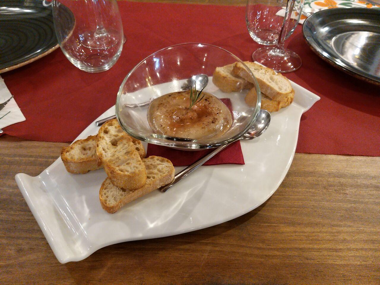 Crème Brûlée de foie con gelatina de fresas y aroma de romero