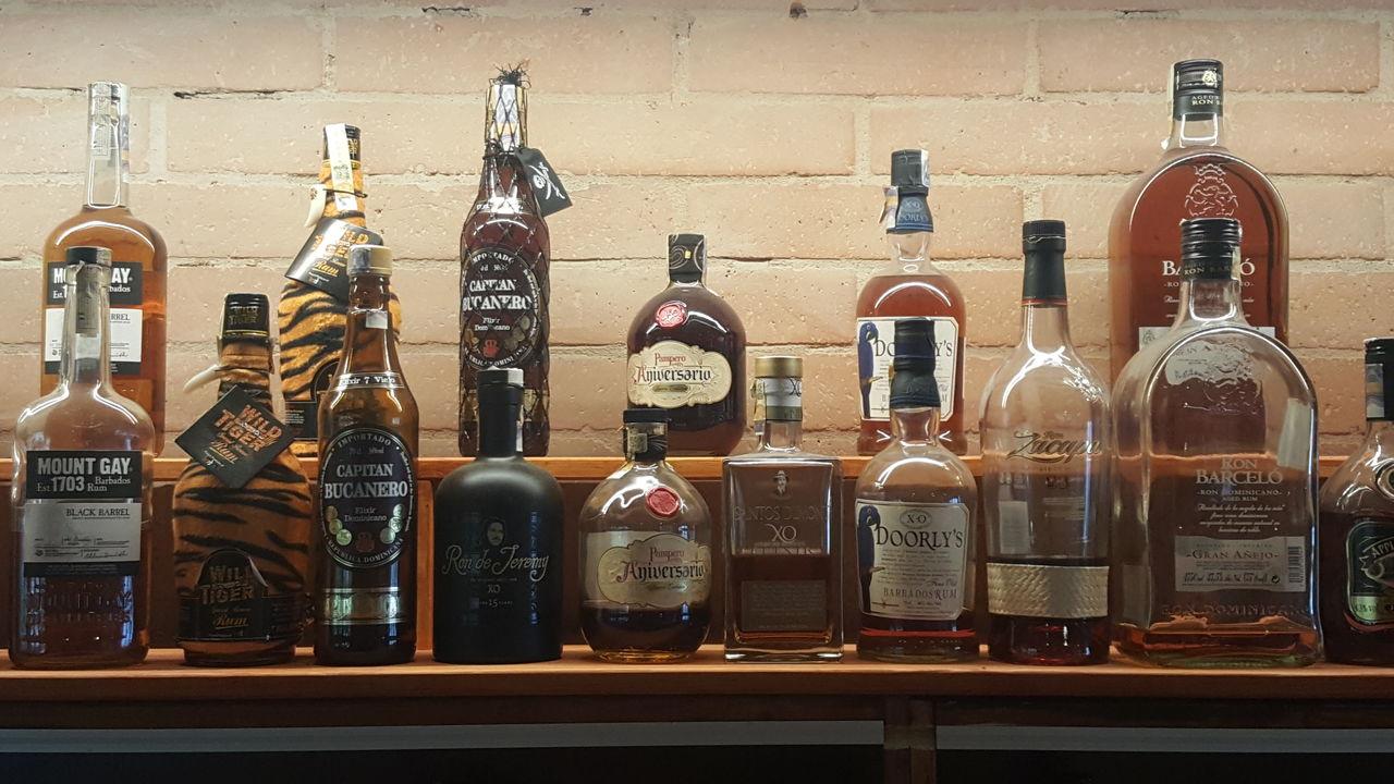 Bohatý váběr rumů z celého světa