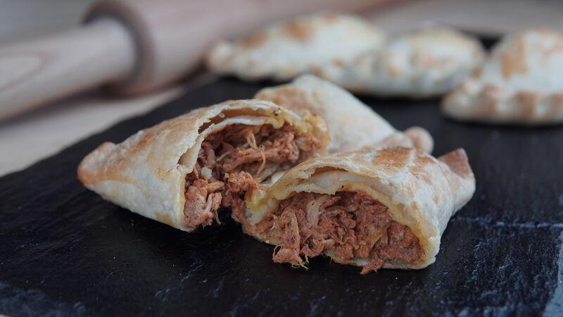 Empanada cochinita