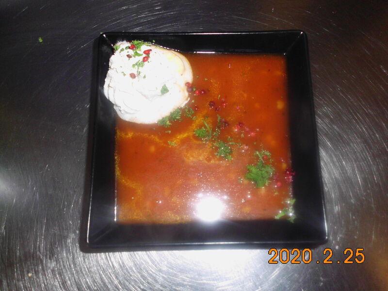 Fruchtige Tomatensuppe mit Safran