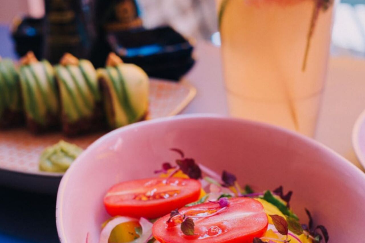 A varied menu - sushi, salads and ramen in a playful ambiance