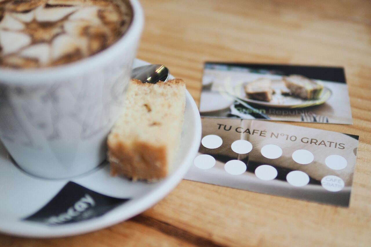 Tu décimo café y tu décimo desayuno gratis.