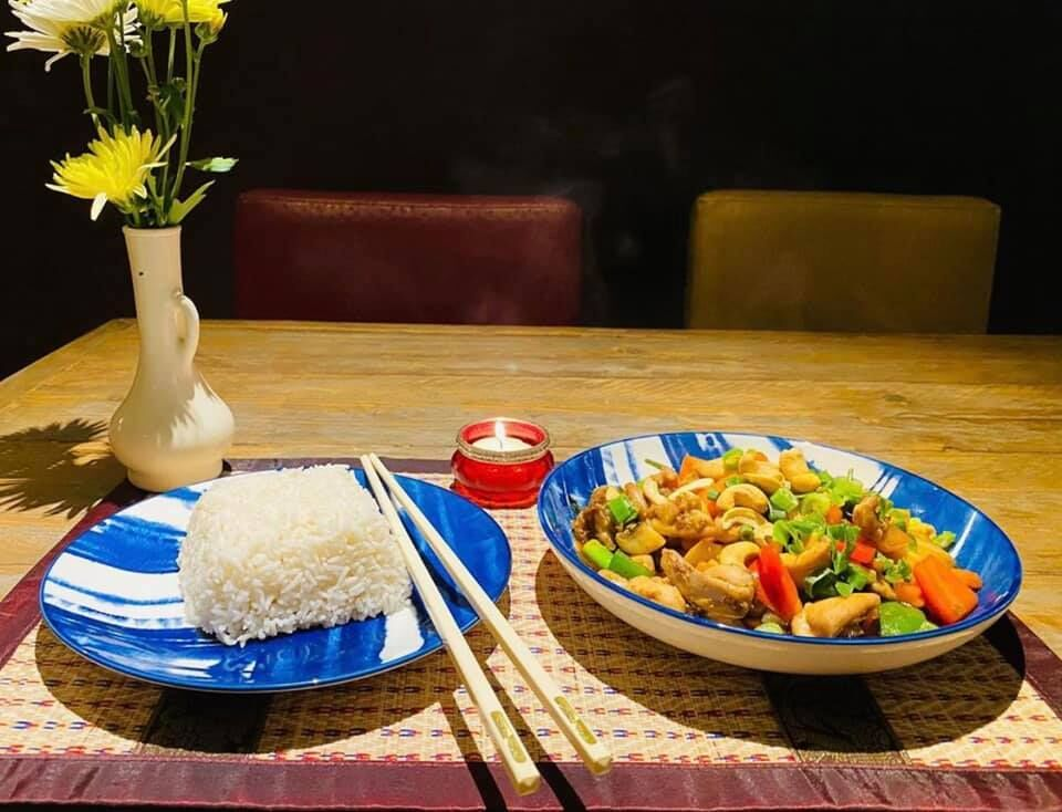 Restaurant Suchitra Traditional Thai Food - Grave | Thai ...
