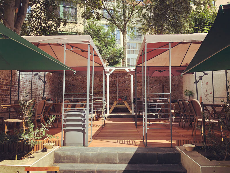 Cozy terrace for lunch (12h-14h30) or dinner (19h-21h30)