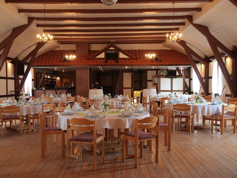 Großer Festsaal mit Platz für ca. 120 Pers.