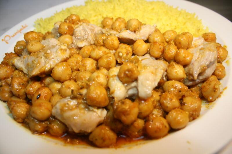 Chicken Chana Masala - Hähnchen und Kichererbsen würziger Masala-Sauce