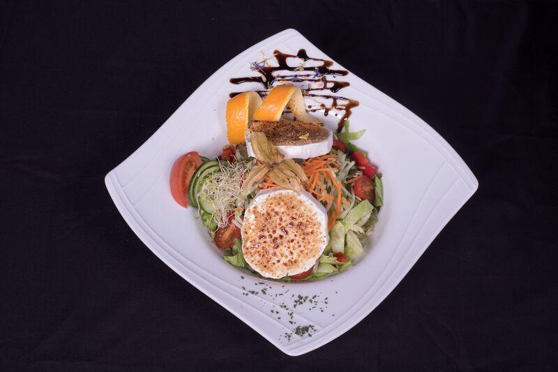 Bunte Salat Karamellisierte Ziegenkäse