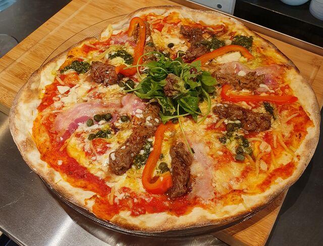 De Biefstuk Pizza!