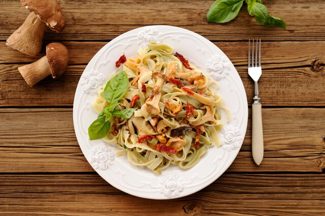 Pizza und Pasta sind stets beliebt in der Walthari-Klause (ALEXEY BORODIN, Adobe Stock)