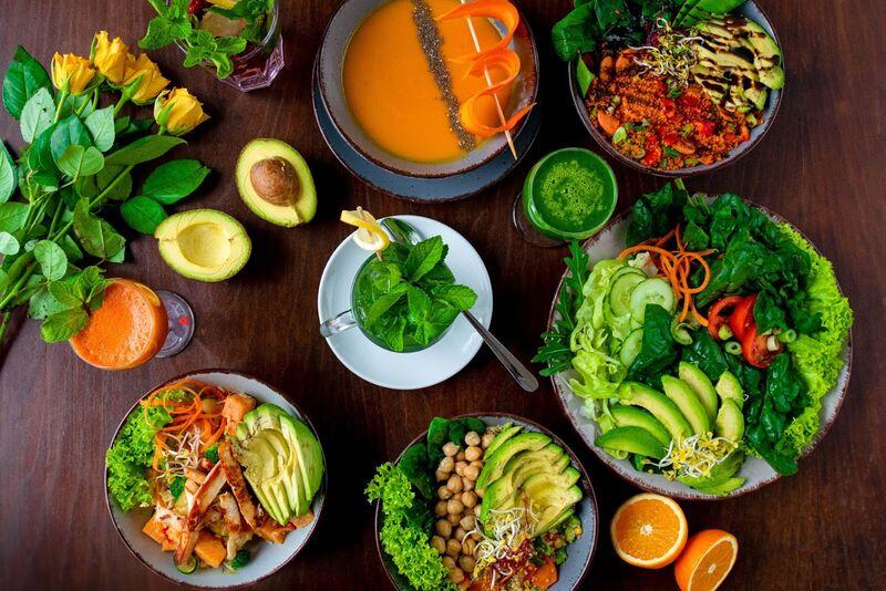 Lunch - Suppen, Bowls und Salate