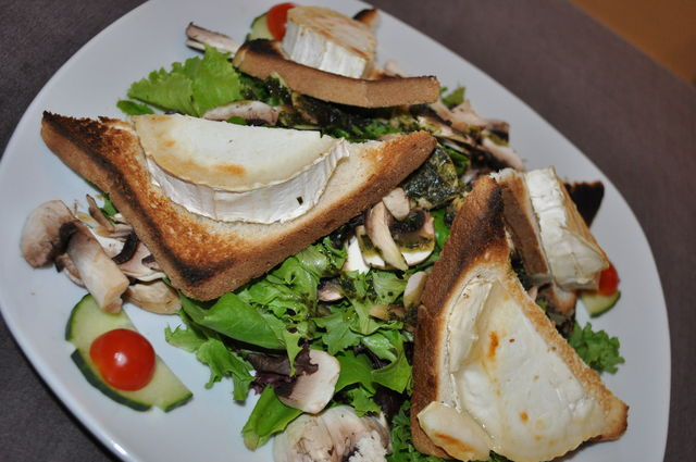 hot goat cheese salad