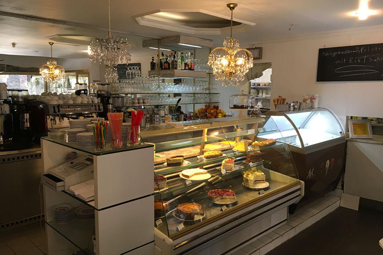 Cafe Am Kirchplatz Cafe Berlin French German Italian Cuisine