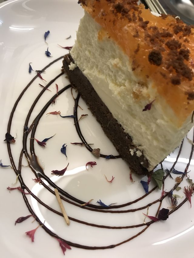 Sacher Cheesecake