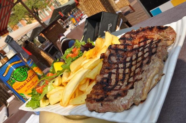 grill rib steak entrecôte grillée