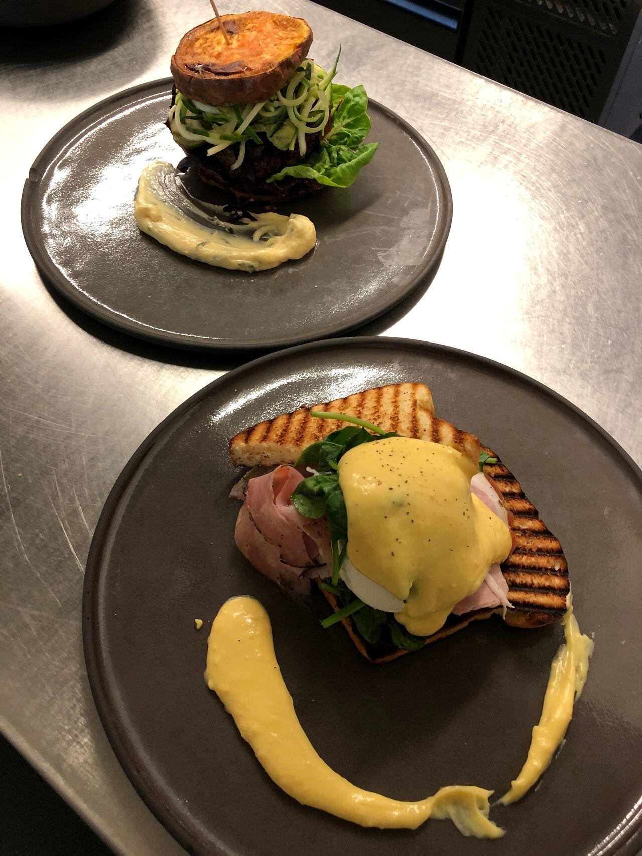 egg benedict beef burger