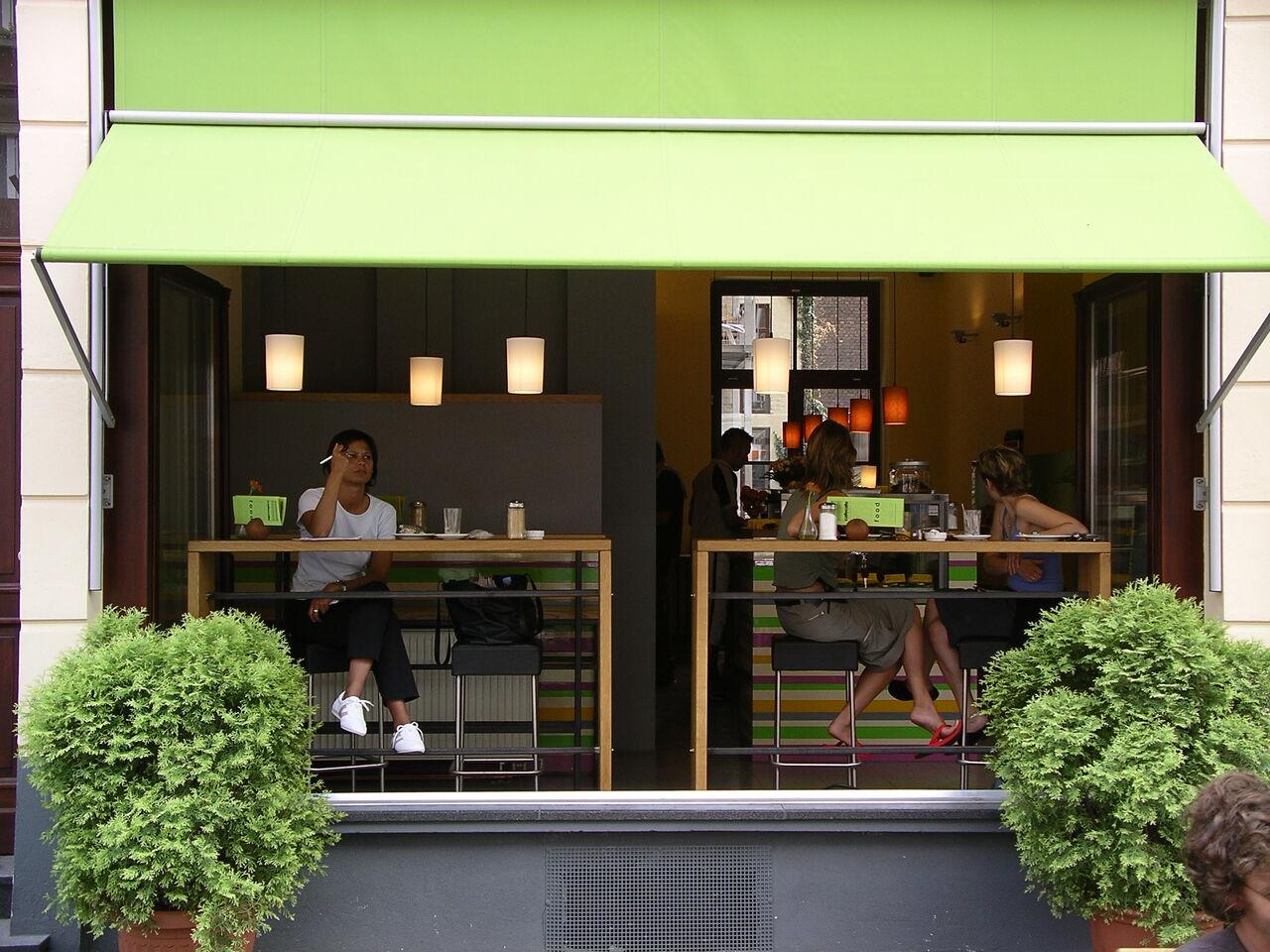cafecafe in der warmen Jahreszeit