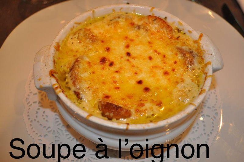 Onion soup gratined Soupe à l'oignon gratiné