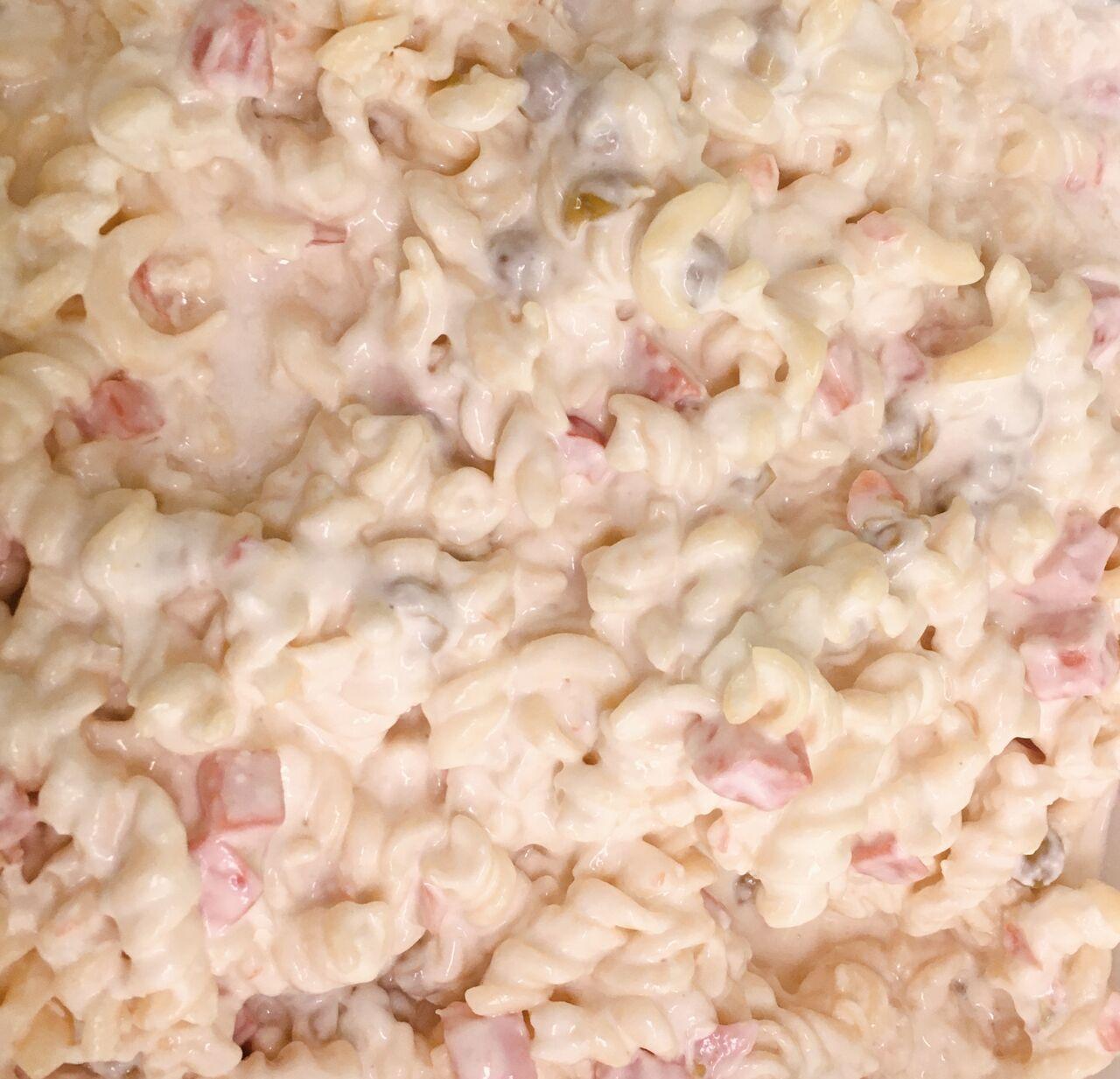 - Mayonnaise-Nudelsalat -