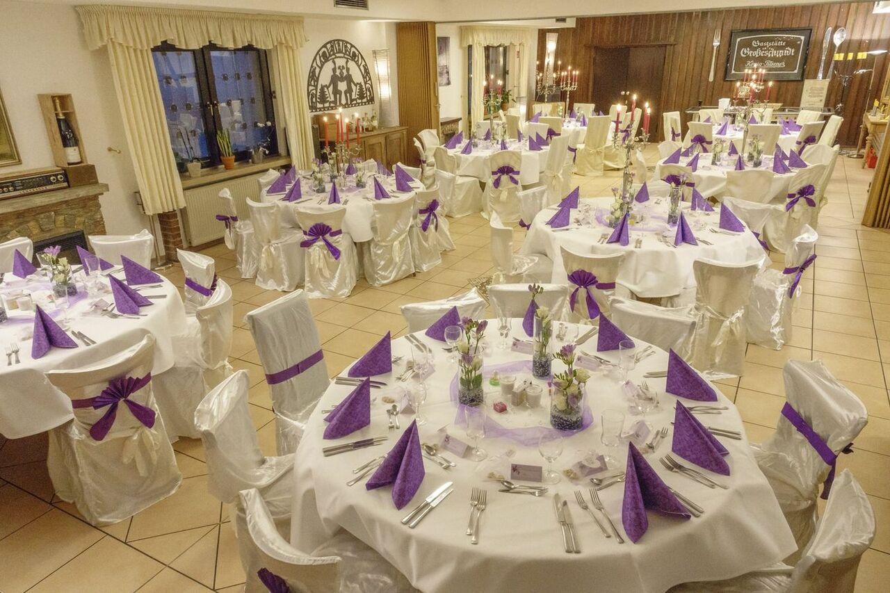 Hochzeiten und so.... natürlich in unserem Saal !
