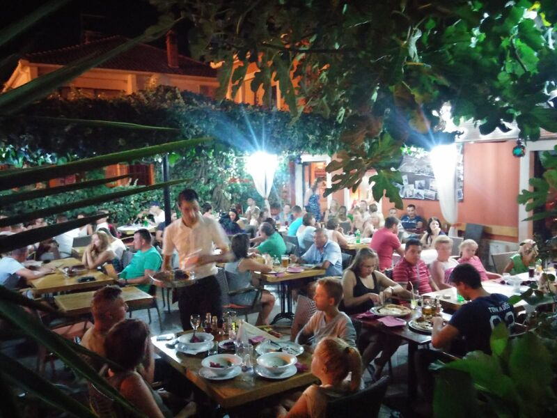 If you are in Bibinje, near Zadar, make sure you stop by Pizzeria Roko to taste the best food in surroundings!