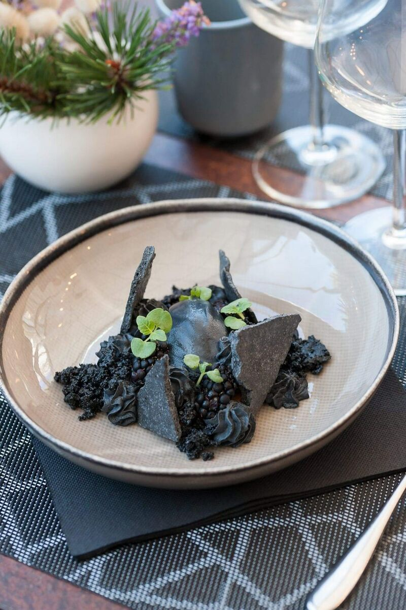 Dessert signature La Baronne Noir