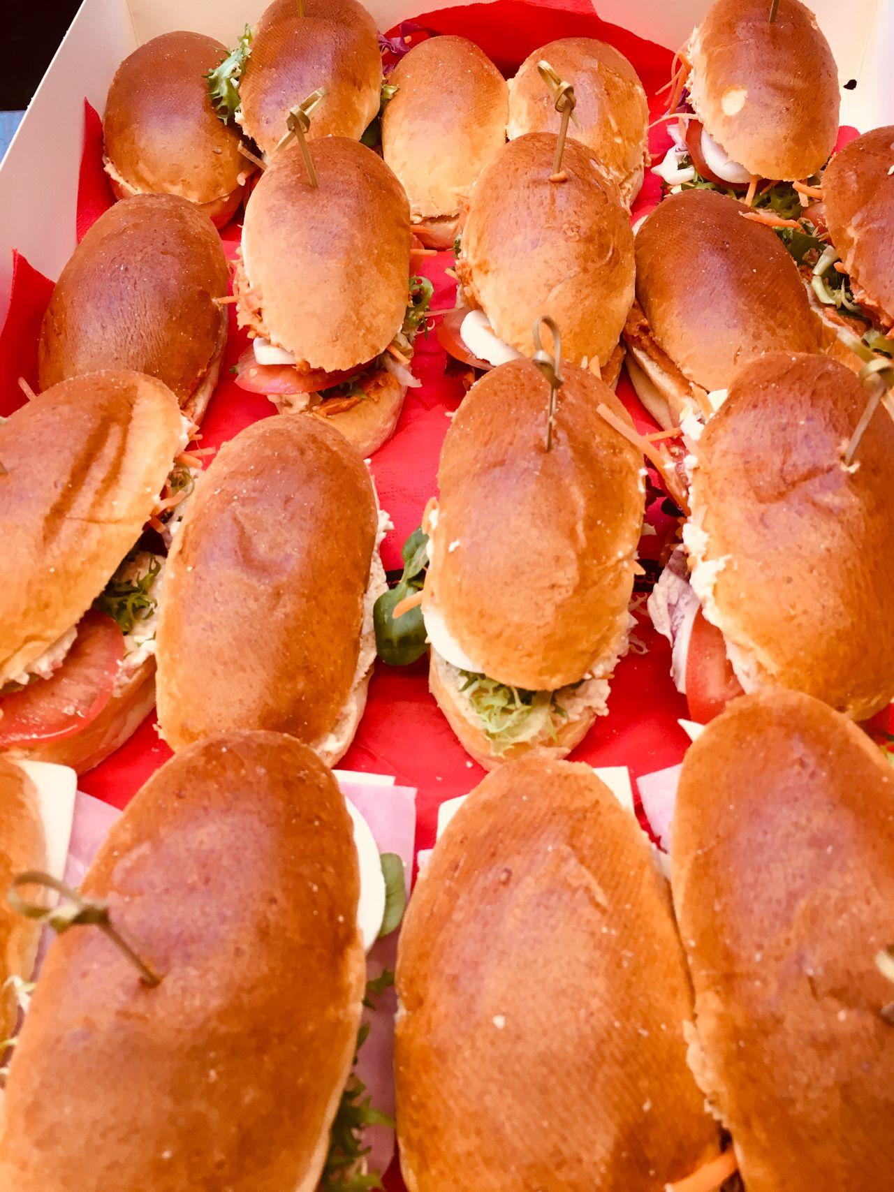 Vers belegde sandwiches en broodjes 1,50€ per stuk