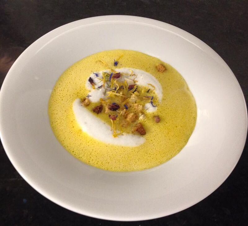 Kürbis-Schaum-Suppe