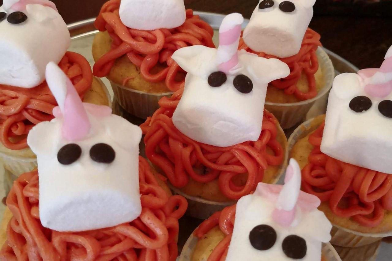 Neu! Einhorn Cupcakes!