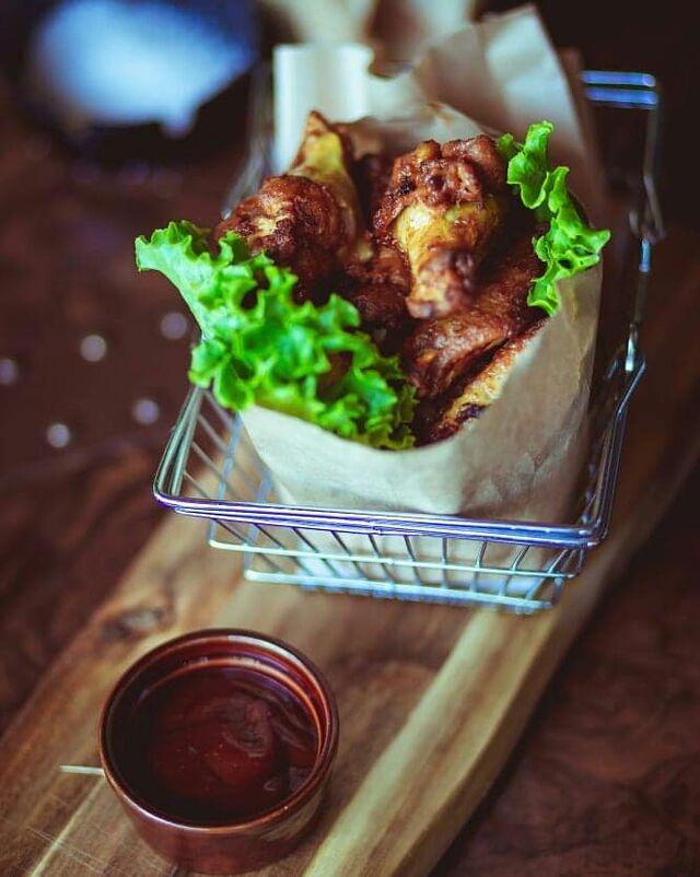 Chicken wings.. croccanti alette di pollo servite con salsa BBQ! 😍