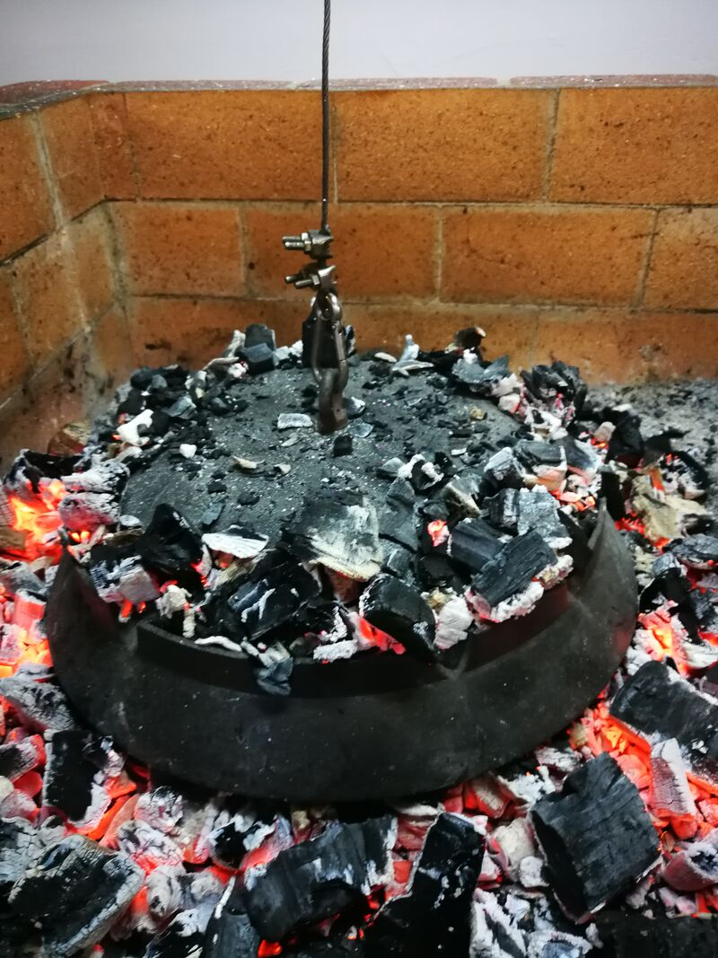 Feuertopf mit Gemüse und Fleisch