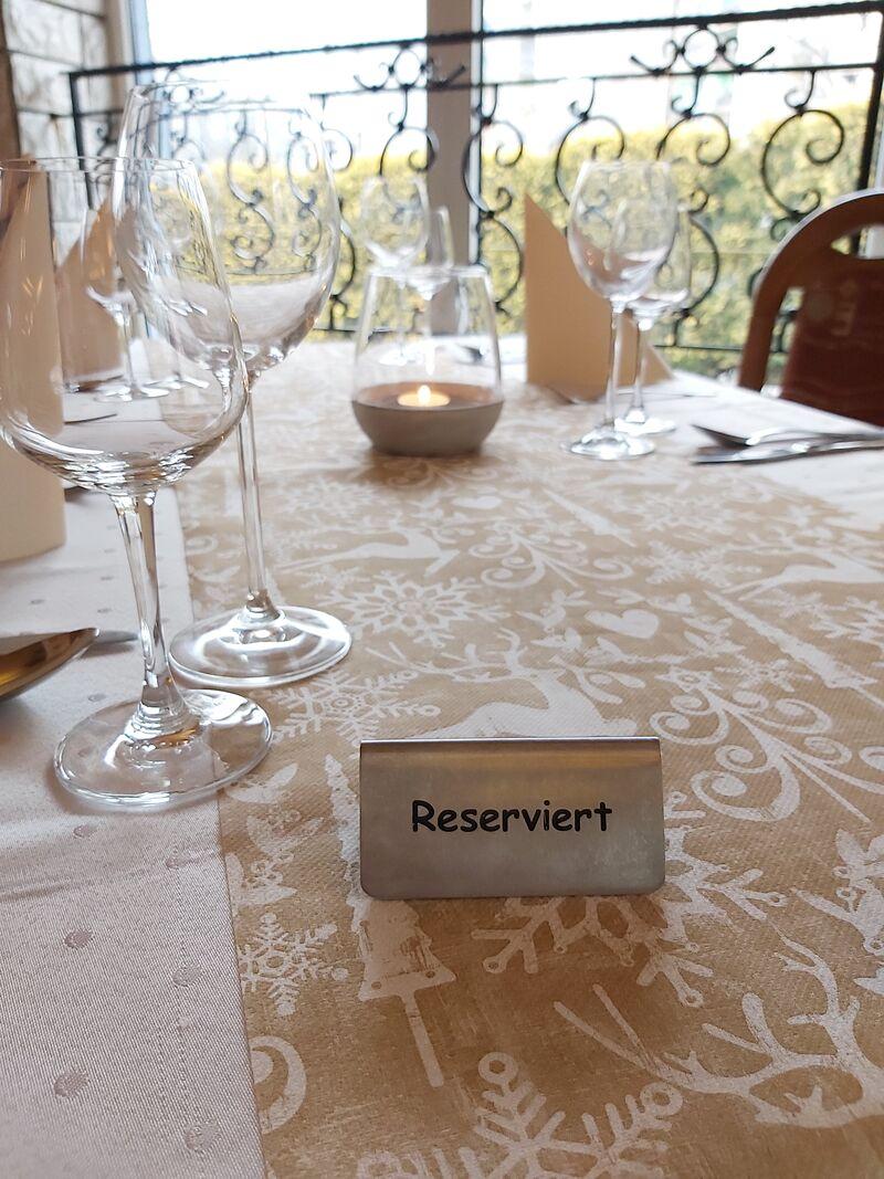 Przyjmujemy rezerwację stolików.