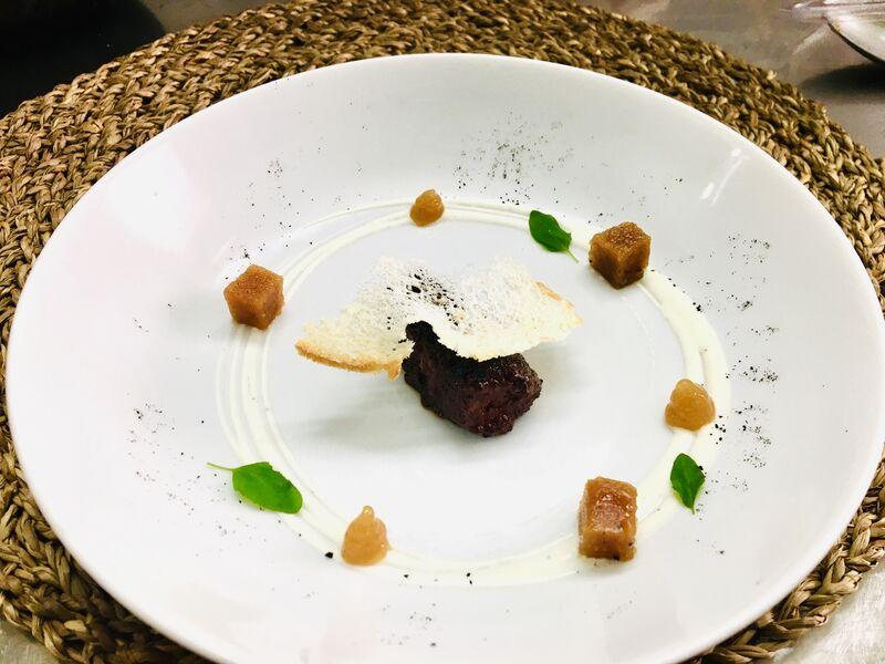 Porrusalda con morcilla y membrillo (nuestros menús semanales varían según el chef )