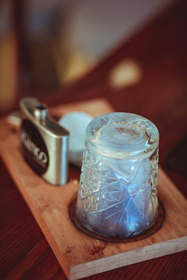 """Rivisitazione del cocktail """"Old Fashioned"""" la nostra ricetta prevede l'affumicatura del bicchiere di servizio..."""