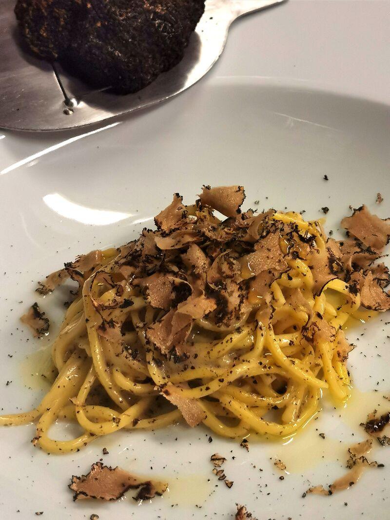 Tagliolini met verse truffel (aan tafel geschaafde)