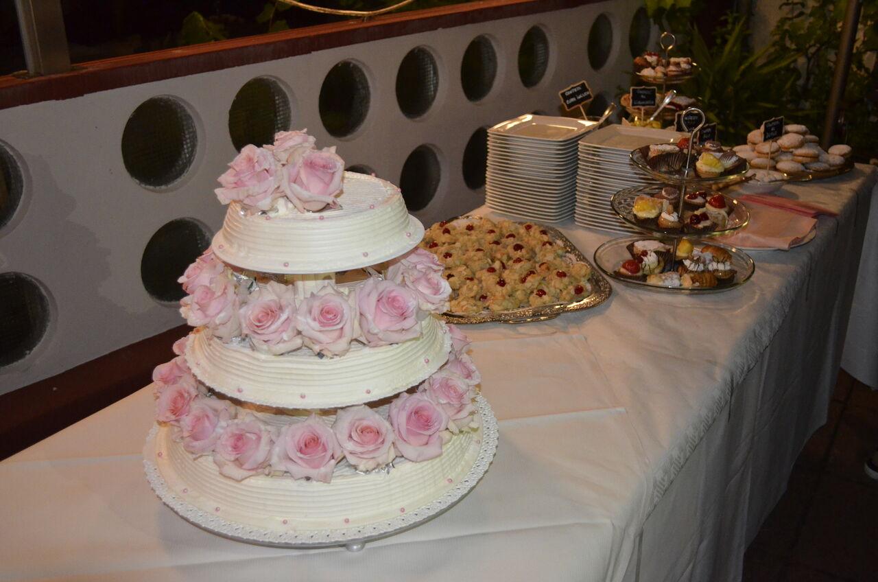 Hochzeittorte und Suße Buffet...