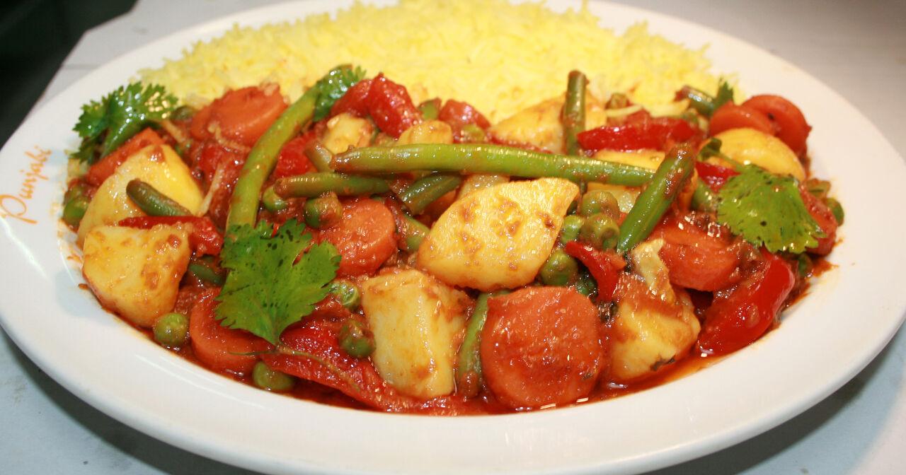 Gemischtes Gemüse (Sabzi) mit Kartoffeln + Basmatireis